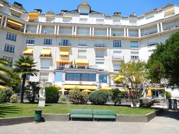 T2 BOULEVARD DES PYRENEES 40m2,parking, terrasse!