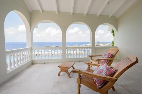 Luxury four bedroom  Seafront Villa Sea Star