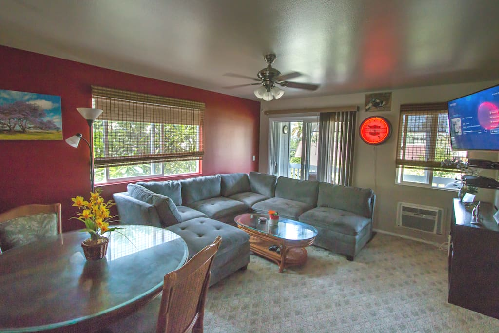 Spacious Living Area with Air Conditioning