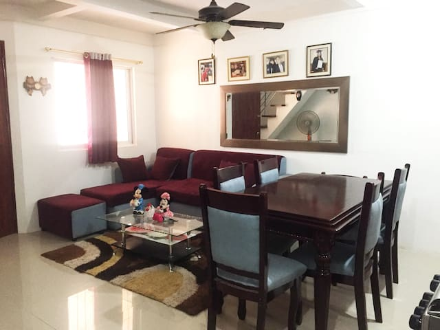 Fully Furnished New 3BR House near SRP w/ Carpark
