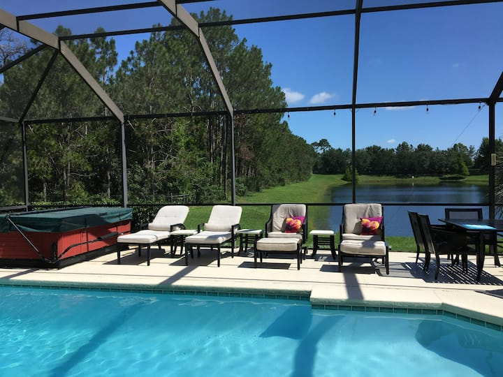 Perfect private lakeside villa 5 miles to Disney.