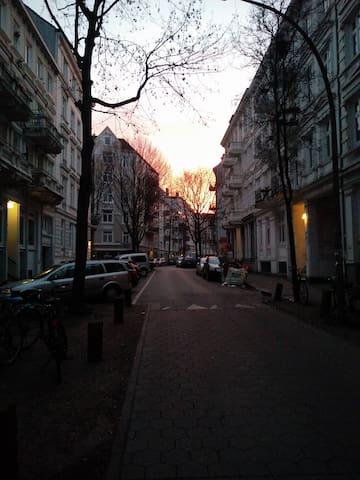 Zentral, Partynähe, ruhig - für Gruppen - Hamburg - Apartament