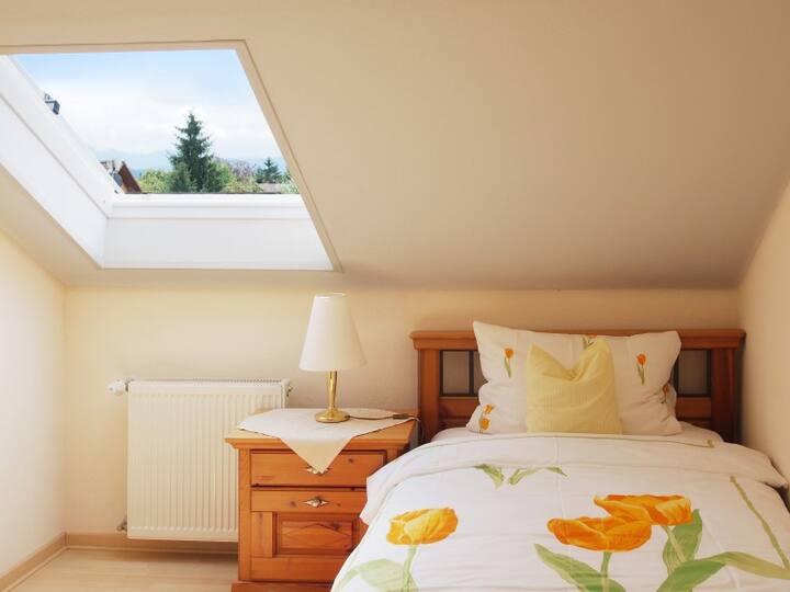 Casa Cristina, (Bad Krozingen), Appartement-Suite Nr.1, 68 m2, Kochnische, 2 Schlafzimmer, max 3 Personen