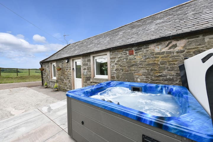 ⭐ Luxury Hot Tub ⭐ cottage in South West Scotland