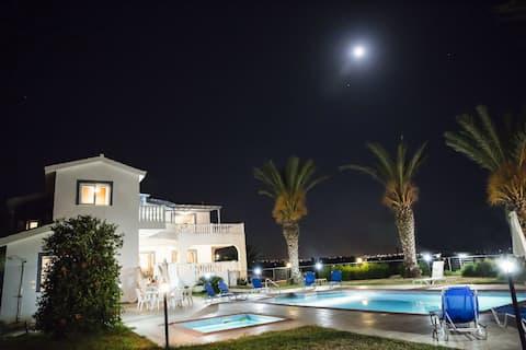 Villa Georgia 6 bedroom Coral Bay