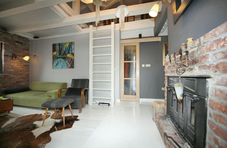 Charming loft with a roof garden - Šibenik - 로프트