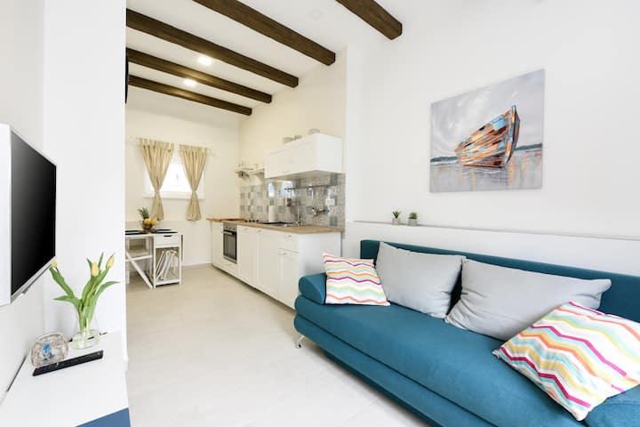 """Apartman """"ElaDora"""" 2 (centar)"""