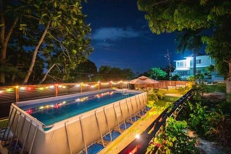 Jamaica Dream-Pool, A/C,wifi,gym,sunset view