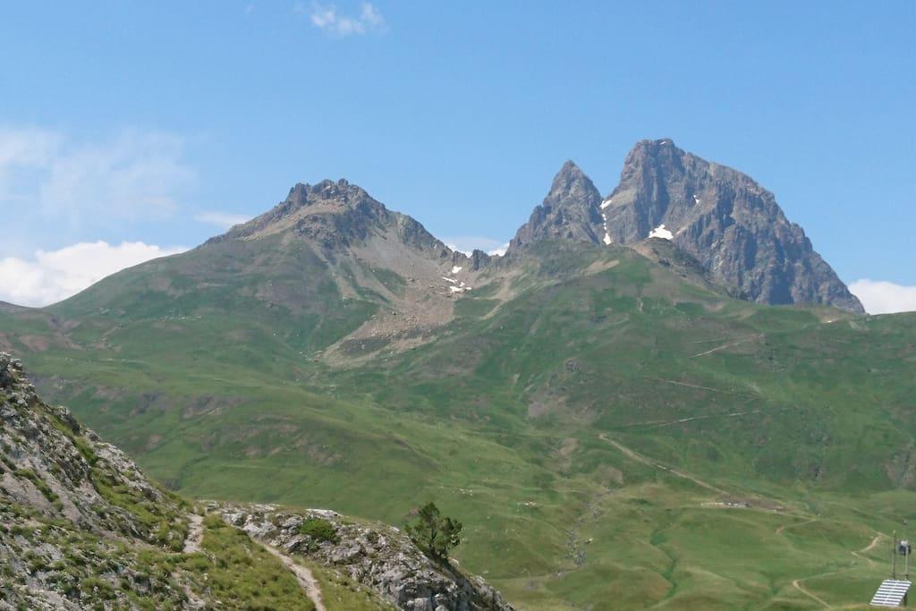 Pic du Midi d'Ossau en été