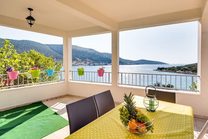 House with a dream view in Grebastica Sibenik