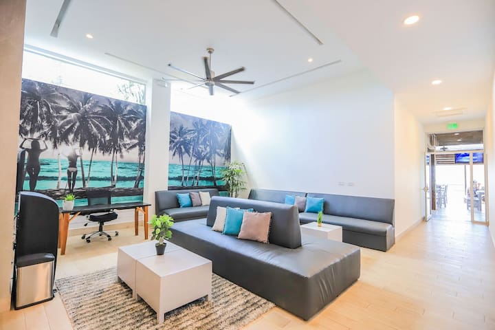 Beachfront Loft Suite! Best Location!!