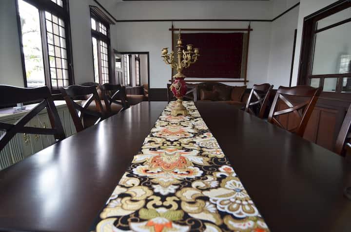 国登録有形文化財「春陽荘貴賓館」離3密にならない離れ貸切で非日常体験
