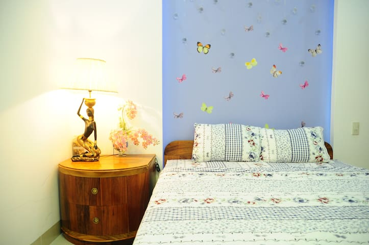 THE LOVELY ROOM, CLOSE TO THE BEACH - Nha Trang - House