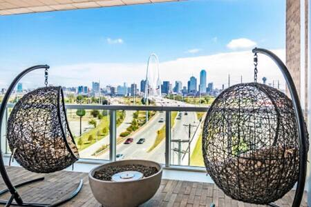 Sanitized🔺Casa ❗️ Looking Over Downtown Dallas