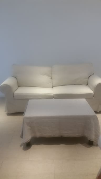 Sofabed sleeps 2/ Living Room Area