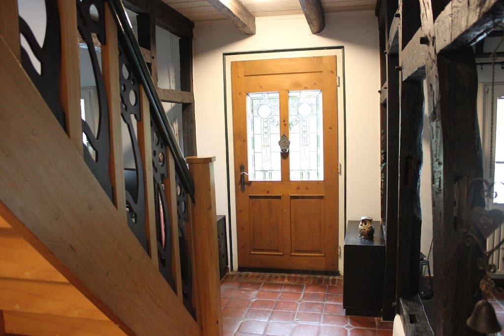 Hauseingang / Treppe