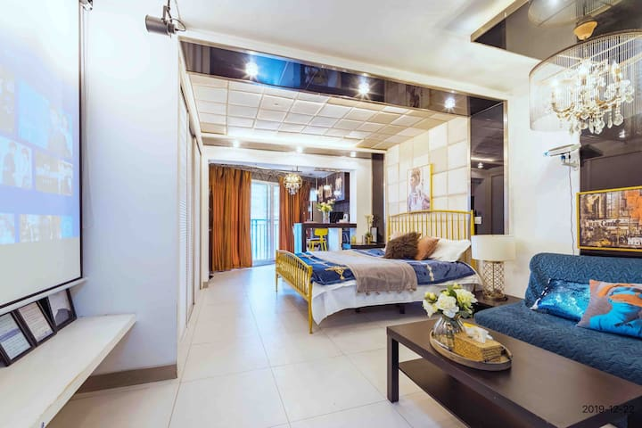 暖·行 夫子庙老门东附近 3号地铁沿线 现代混搭风巨幕投影舒适一居室