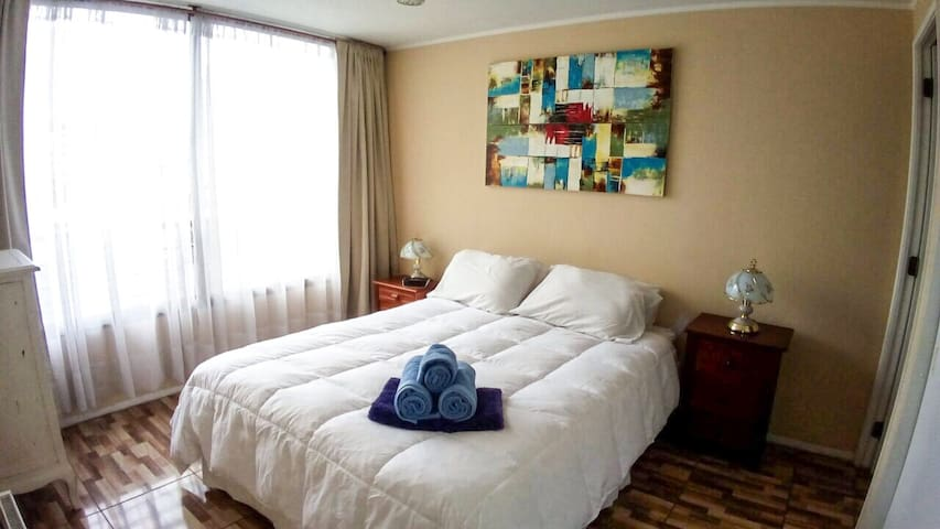 On Sale! La Moneda, 3 guests, AC, WiFi, Metro!