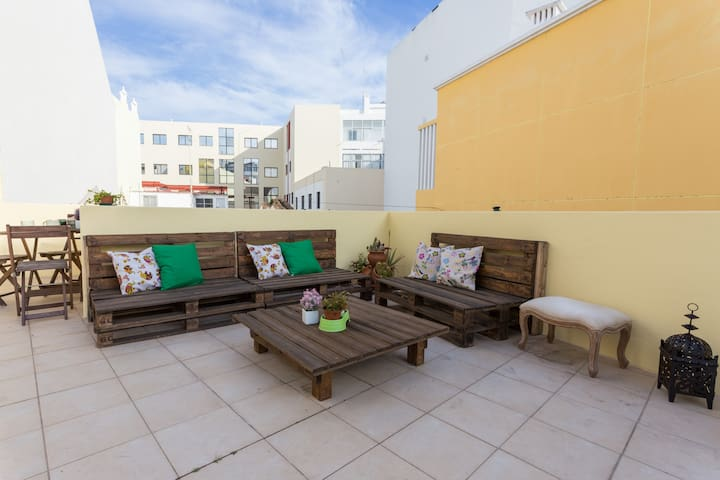 PERFECT house CITY CENTRE w/TERRACE - Faro - House