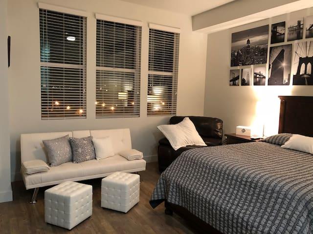 Modern,  Cozy and Beautiful Studio