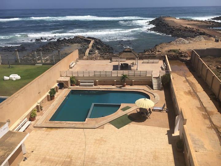 Chambre  vue mer, sur terrasse de 50m², et piscine