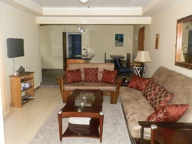 Beautiful Boquete 1/1 Apartment on the river.