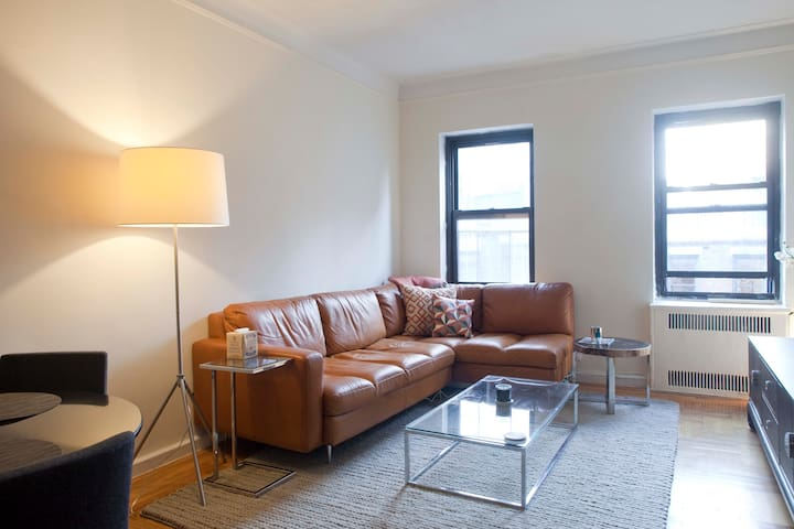 5-STAR REVIEW 1 BEDROOM LINCOLN CENTER- BEST PRICE