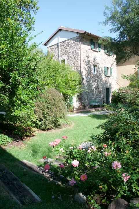 """Spring Cottage"" CIR 020036-CNI-00016"