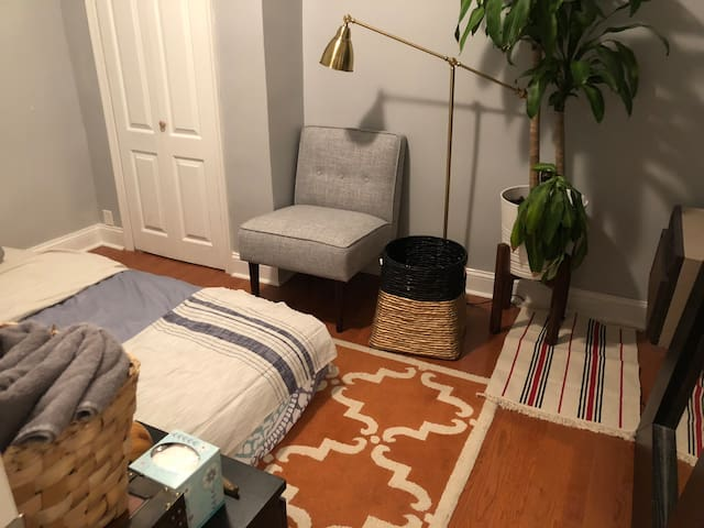 A Room at Dante's