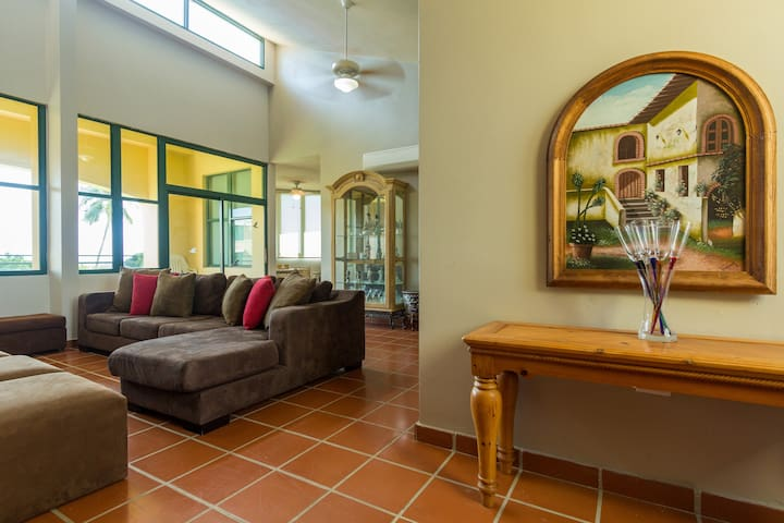 Spacious 3 bedrooms and comfortably furnished - Dorado - Appartement