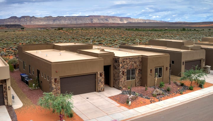 Luxury Home minutes to Zions/Golf/Lake/ATV 25+ppl