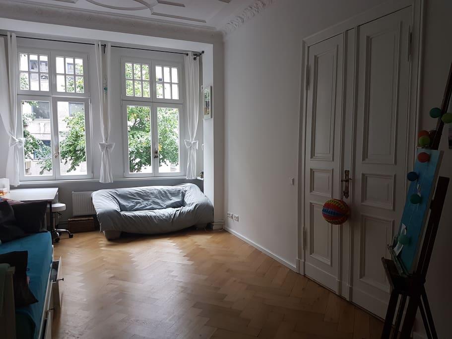 Sofa+verschlosseneTür