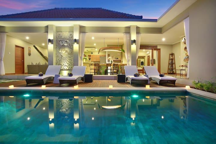 Lazy Daze Villa Seminyak - 3bedroom, private pool
