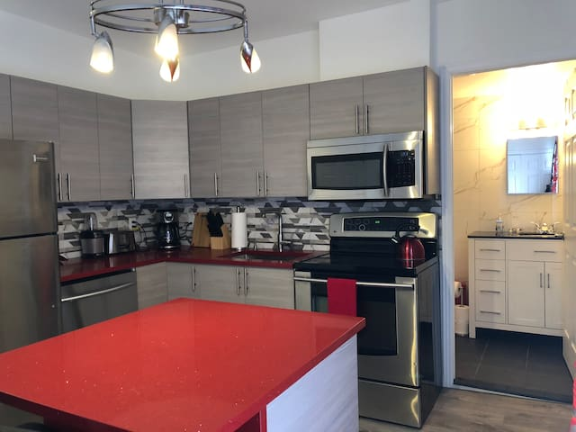 @1377 Downtown Montreal/ Private & Charming Condo