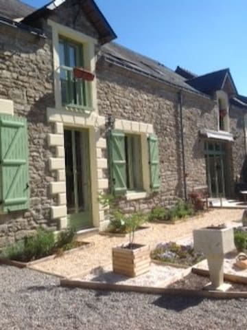 Chambre Chene - Double Room (private facilities) - Vigneux-de-Bretagne - Bed & Breakfast