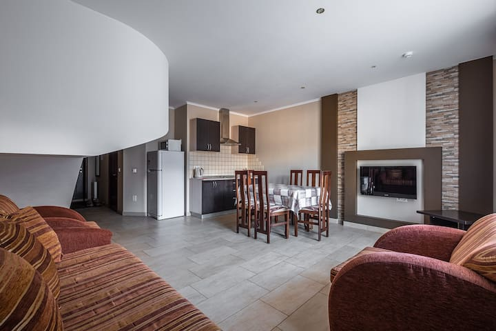 Двухэтажные апартаменты с сауной
