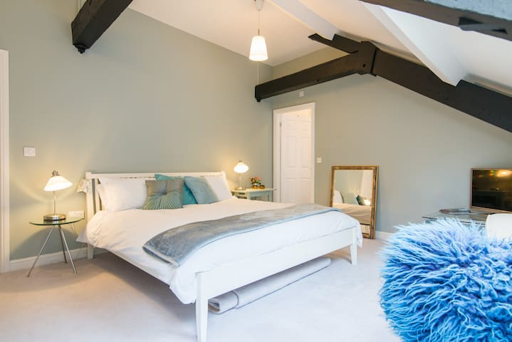 Luxury Room in Converted CottonMill - Litton Mill - Hus