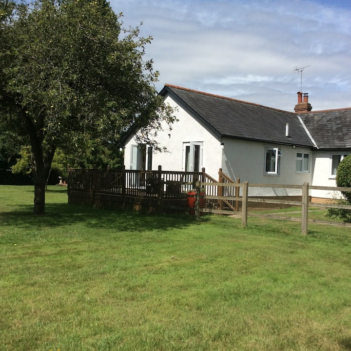 King,double &twin Near Stansted Airport 1-6 guests