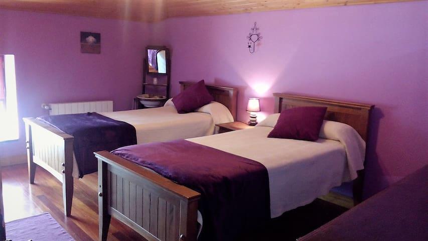 Alojamiento en el campo: dos dormitorios y baño
