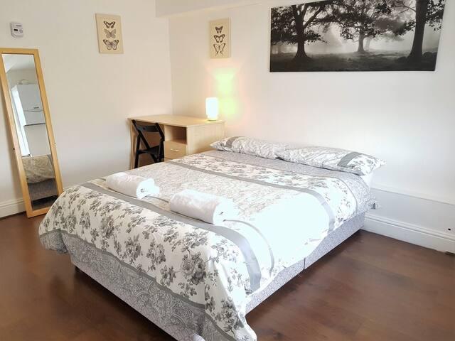 2 bedroom flat in Bricklane/Shorditch