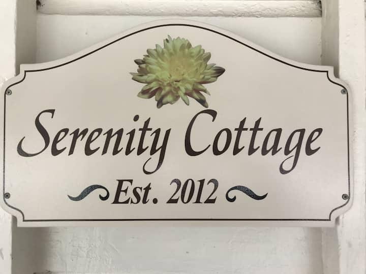 Serenity Cottage (queen bed)