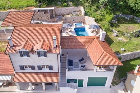 Villa Argenta****-3Bedroom Villa with Private Pool