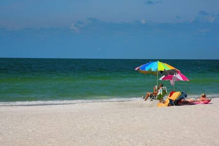Island Delight, Boat, Beaches, Fun in the sun. - Holmes Beach - Ház