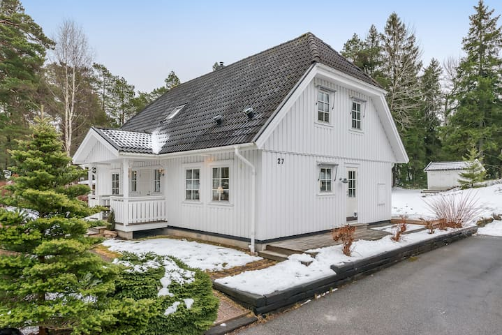 House by the sea - close to Stockholm City - Åkersberga