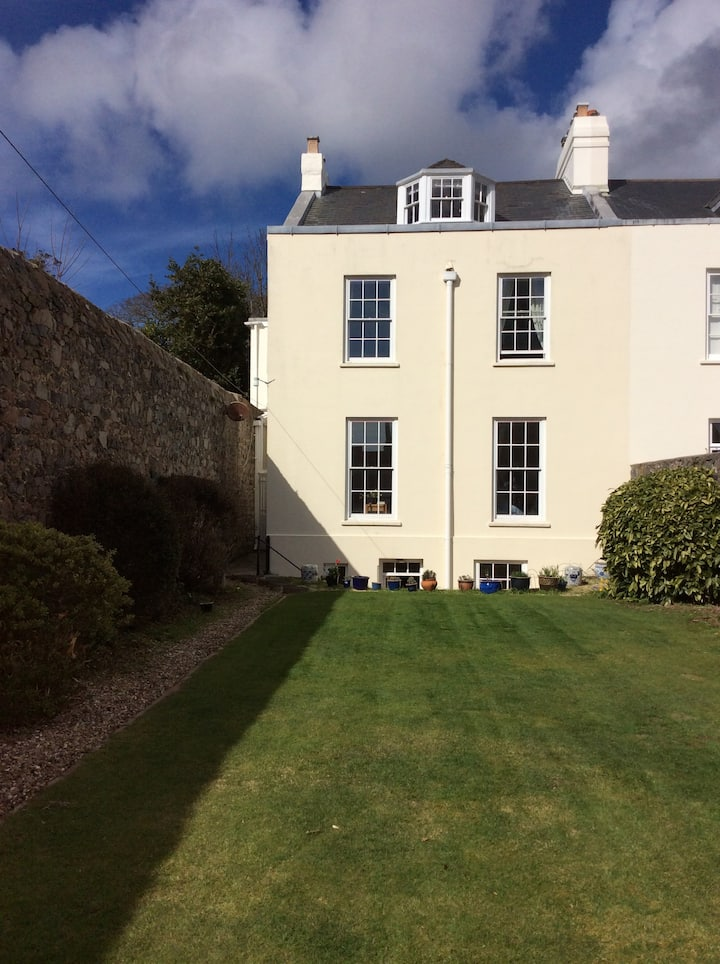 Listed Townhouse in St Peter Port