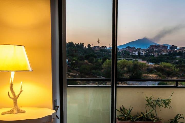 Appartamento in città con vista Etna