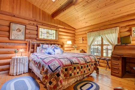 The Kentucky Pine Cottage,Guest House Log Cottages - Greenbank