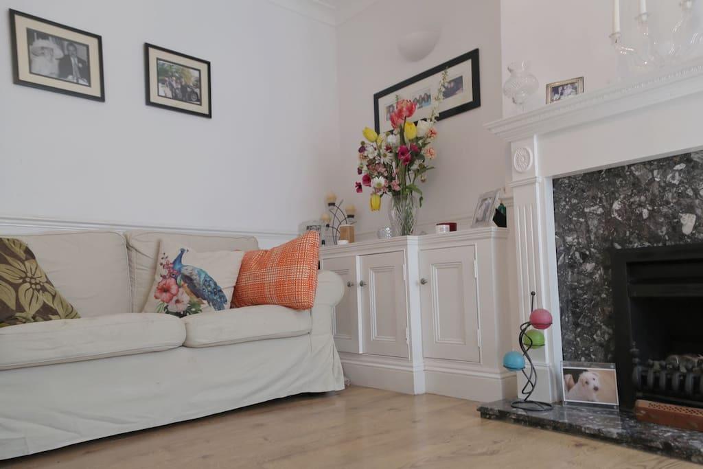 Bright livingroom tv all sport's channels