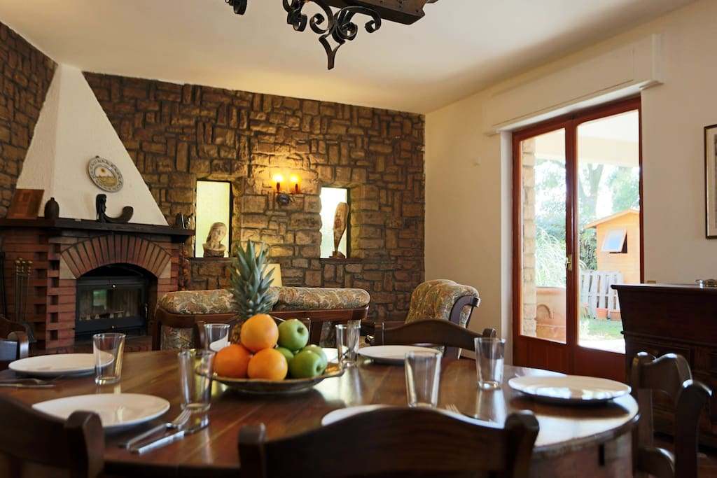 Ground floor living with dining areal