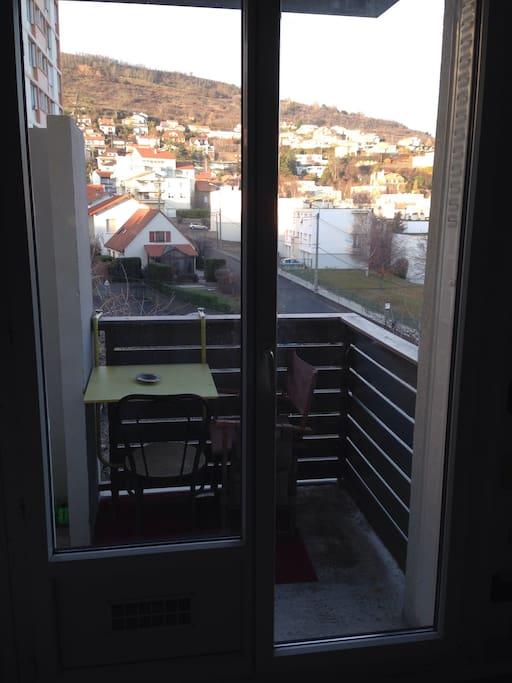 Balcon avec vue sur les côtes de chanturgue